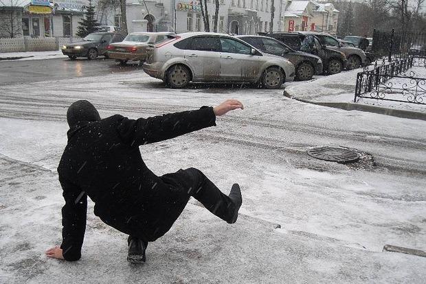 Киевлян предупредили о гололедице на дорогах
