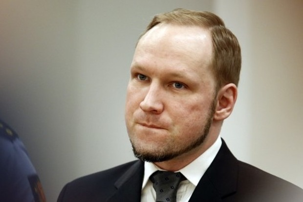 Суд в Норвегии признал факты нарушений прав и условий содержания террориста Брейвика
