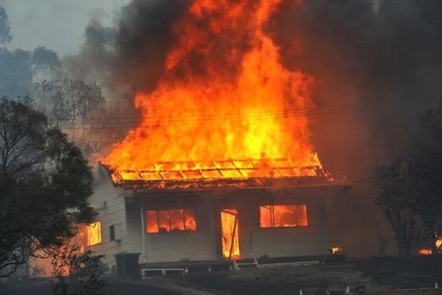В Полтаве горел жилой дом, эвакуированы десятки жителей