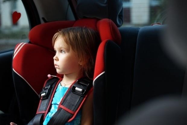 Мальчик задохнулся в машине, пока мама устраивалась на работу