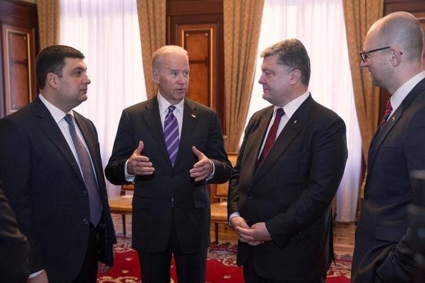 США призывают Порошенко и Яценюка обьединяться вокруг коалиции
