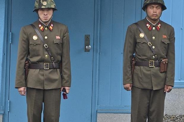 Автомобили на дровах и солдаты с муляжами. Армия Северной Кореи не готова к войне, но страшно другое