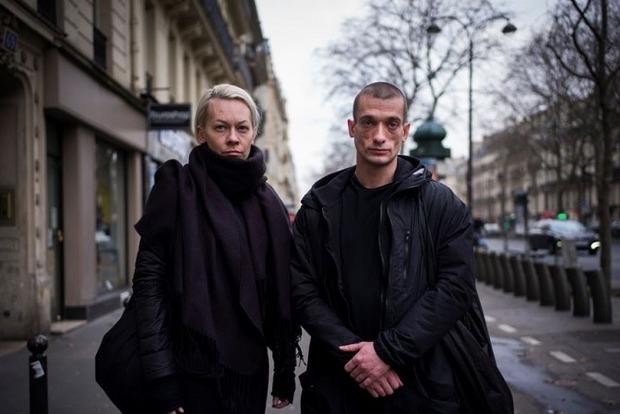 Художнику Павленскому грозит во Франции 10 лет тюрьмы, он объявил голодовку