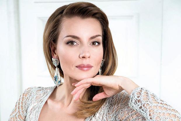 Российская актриса шокировала взбалтыванием живота