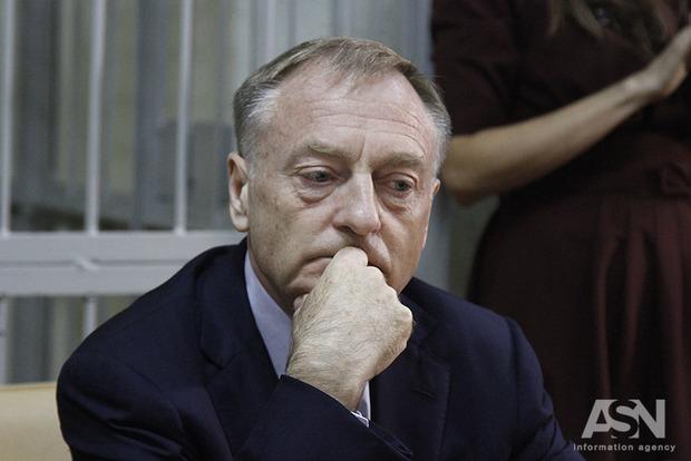 Суд постановил взять Лавриновича под стражу на 2 месяца