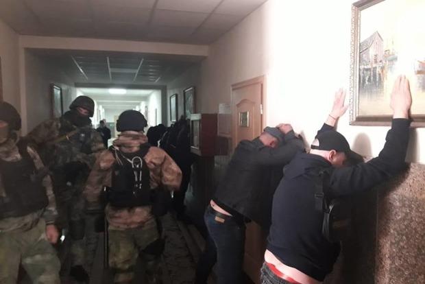 В Одессе титушки напала на офис Службы автодорог