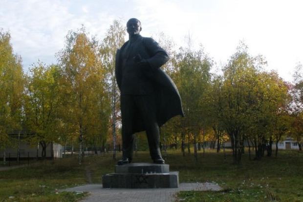 В Сумах хотят превратить Ленина в олимпийца-ходока