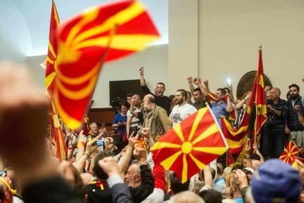 Президент Македонии отказался переименовывать страну