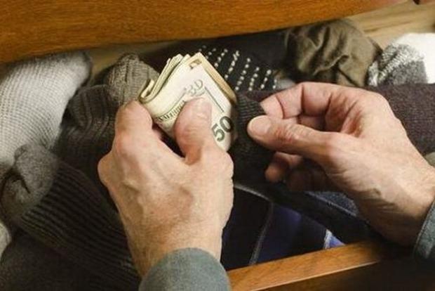 Эксперты рассказали, где лучше хранить деньги, чтобы их не нашли воры