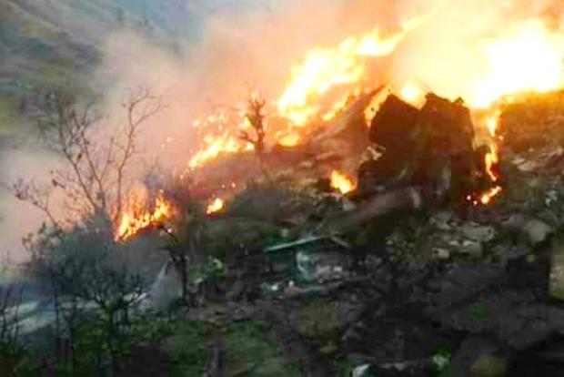 Крушение самолета в Пакистане: опубликован список пассажиров