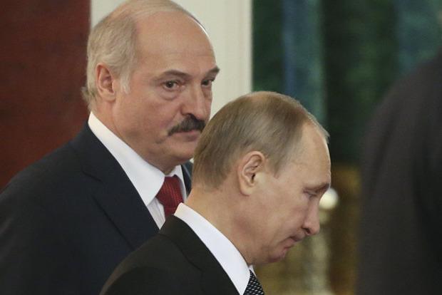 Путин собирается посетить военные учения в Беларуси