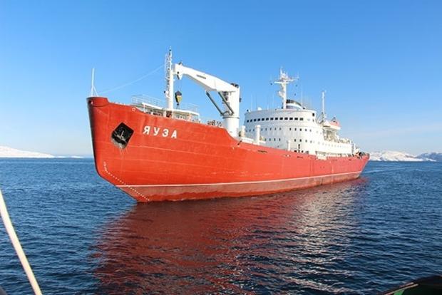 Россия отправила в Сирию грузовой корабль с семью тысячами тонн провизии