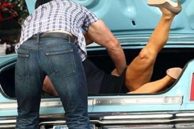 Одесситка организовала похищение и жестокое избиение подруги ради частного дома