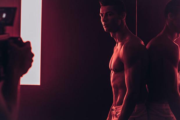 Криштиану Роналду снялся в горячей рекламе собственной марки одежды