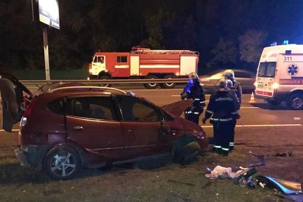 Смертельное ДТП в Киеве: одна машина сгорела, вторая оказалась на крыше