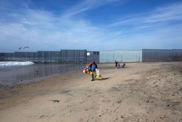 США начали строительство прототипов «мексиканской стены»