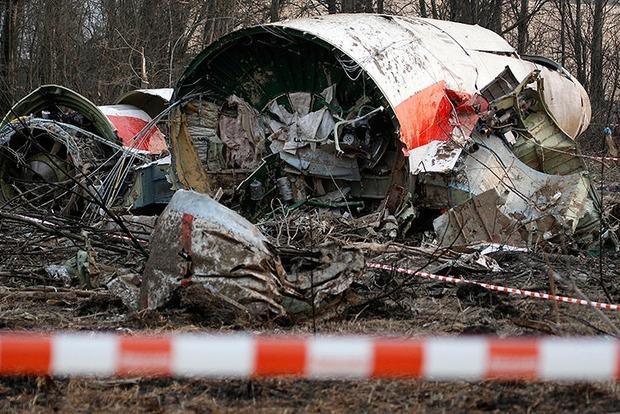 Самолет экс-президента Польши под Смоленском распался на части еще в воздухе – расследование