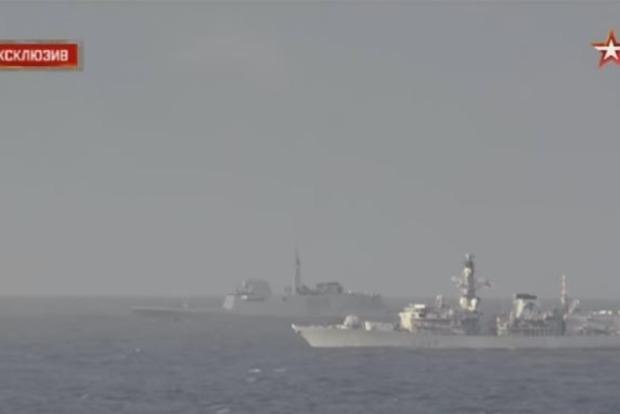 В Сети появилось видео сопровождения «Адмирала Кузнецова» кораблем НАТО