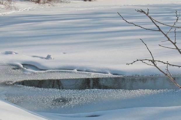 В Киеве в озере «Позняки» обнаружили тело мужчины