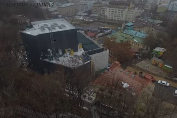 СМИ показали скандальный театр на Подоле с высоты птичьего полета