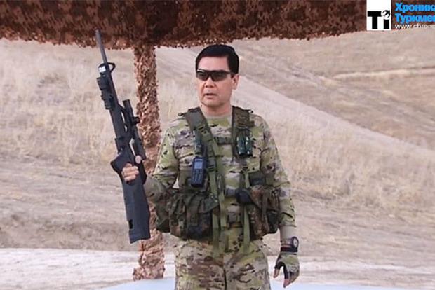 Президент Туркменистана снял освоем участии ввоенных учениях «голливудский боевик»