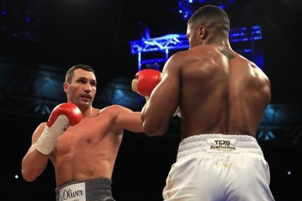 Опасный бокс: болельщик может сесть в тюрьму за просмотр боя Джошуа — Кличко