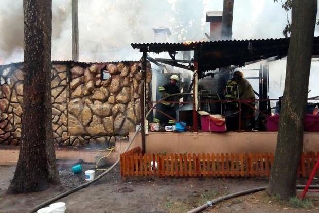 Пожар в киевском ресторане в районе парка Пушкина ликвидирован
