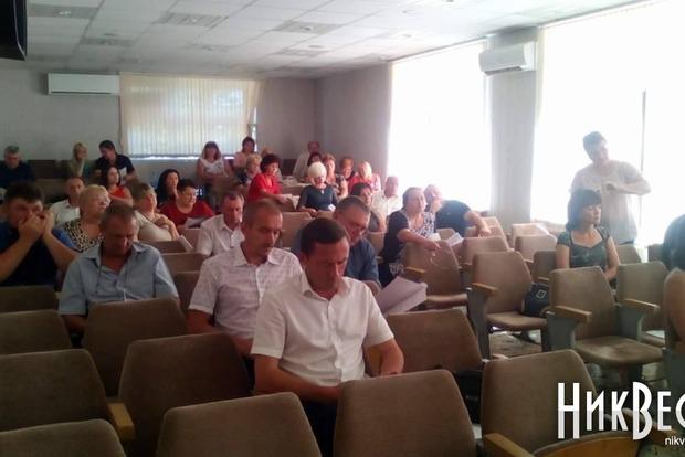 Депутаты Николаевского райсовета устроили драку, один попал в больницу