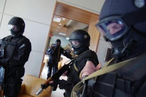 «Подрывают Украину»: СБУ проводит десятки обысков, в том числе и у журналистов