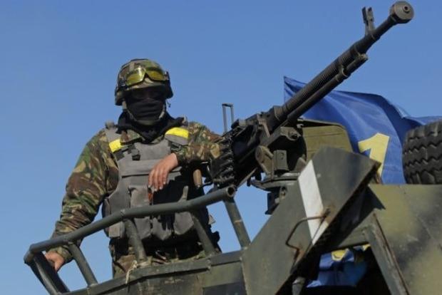 Один военный погиб в результате обстрела боевиков в районе Марьинки