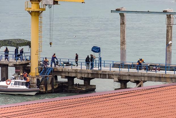 Крушение Ту-154: Поиск погибших продолжится в январе - СМИ