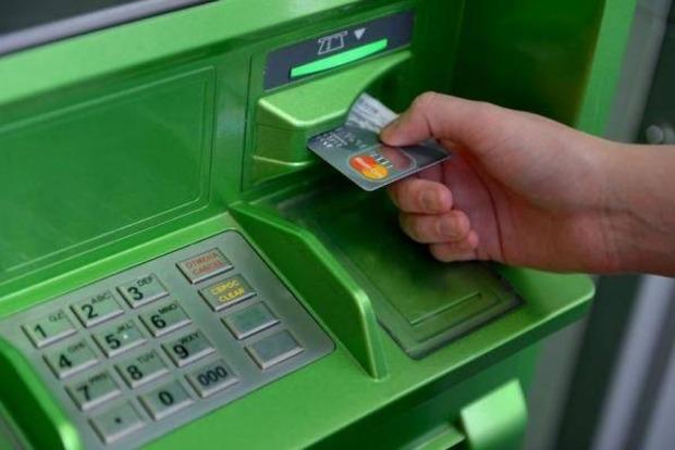 Сбербанк отменил все лимиты на снятие наличных и на переводы средств