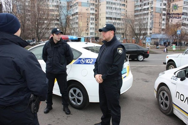 На остановке в Одессе обнаружен мертвый мужчина