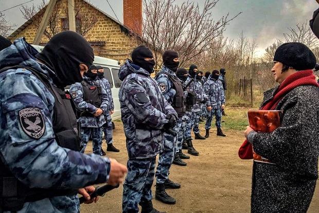 В Крыму проходят массовые обыски