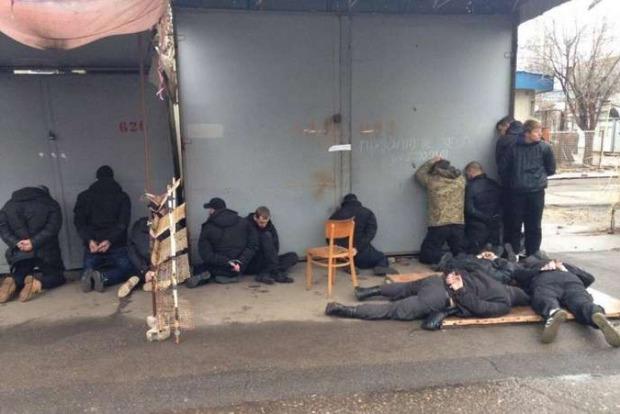 В Николаеве 18 человек с оружием и гранатами напали на рынок