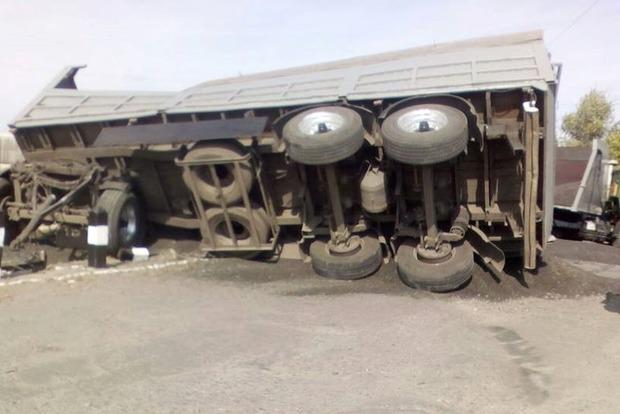 В Харьковской области грузовик врезался в поезд