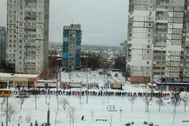 Через недбалість комунальників половина Дніпра не потрапила на роботу. У місті - сніжний апокаліпсис