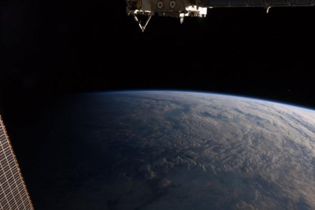 Британський астронавт з космосу випадково зателефонував жінці «з планети Земля»