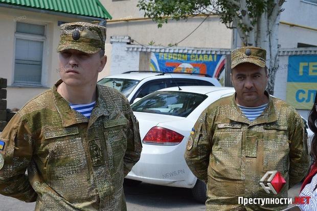Пропавшего в Николаеве школьника нашли военные: мальчик лежал на земле и выглядел измученным