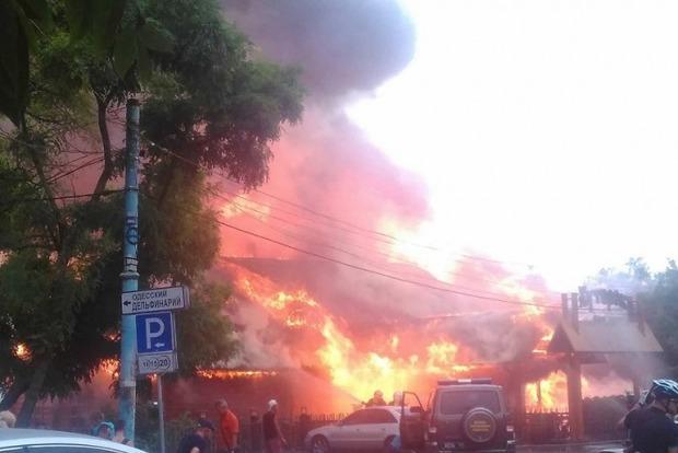 Свидетели сняли навидео пожар вресторане уодесского берега