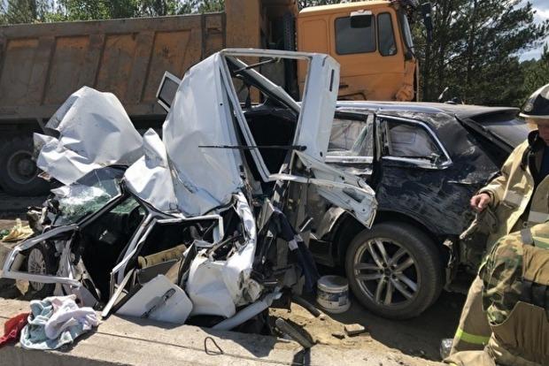 Жуткая авария на ремонтируемой трассе в России: у грузовика просто отказали тормоза