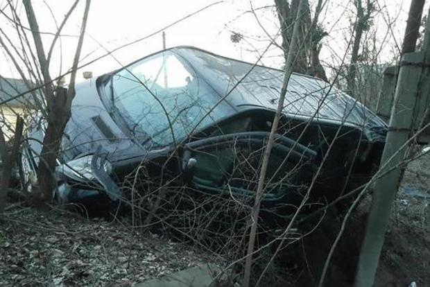 В Киеве на Соломенке пьяного водителя выбросило из автомобиля во время ДТП