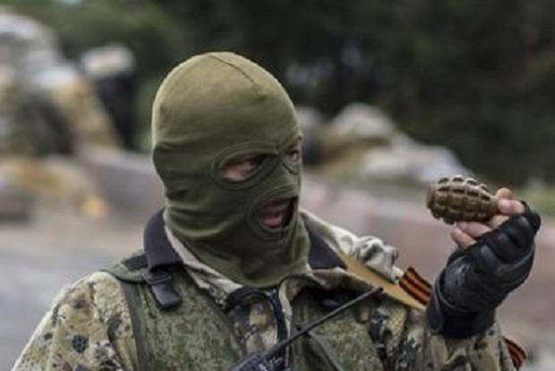 На Донбасі знищили трьох бойовиків, 16 - поранені