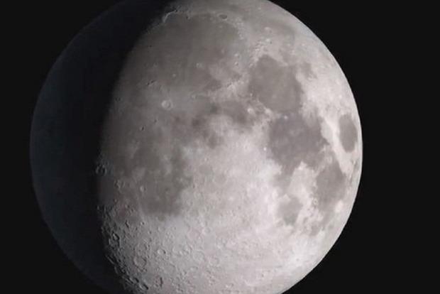 Вовремя миссии Apollo 17астронавты запечатлели НЛО, сыгравший впрятки