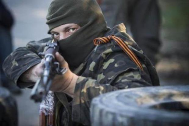 Сегодня террористы 12 раз обстреляли позиции сил АТО