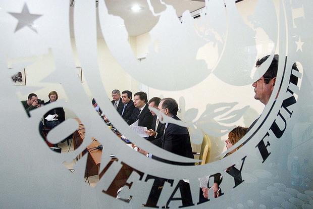 Украина выплатила часть долга МВФ