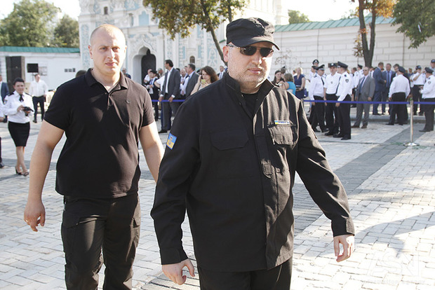Путин угрожает США вооружить ИГИЛ, Аль-Каиду или КНДР – Турчинов