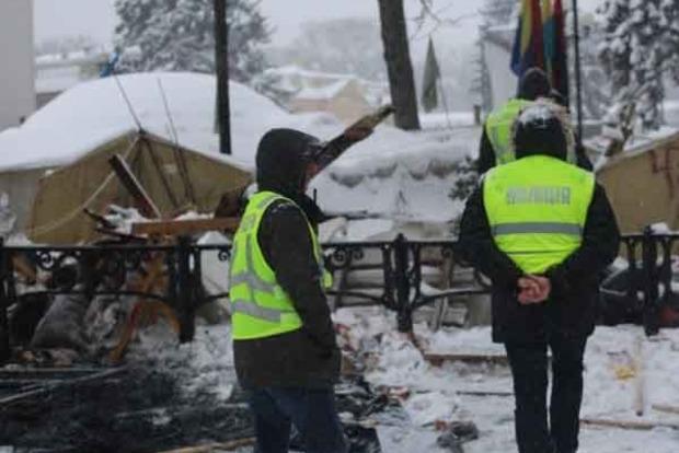 Полиция показала, как сносила палаточный городок под Радой