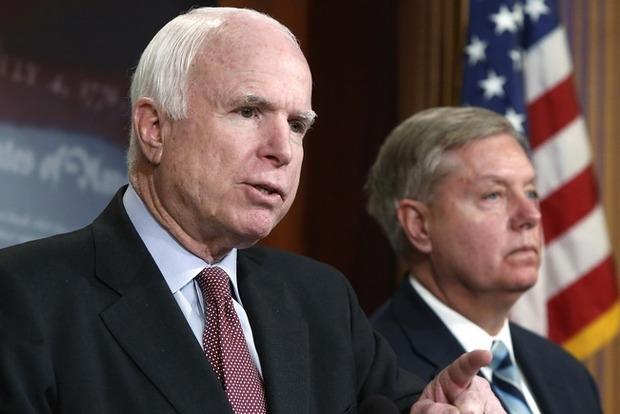 Американские сенаторы Маккейн и Грэм посетят Украину накануне Нового года