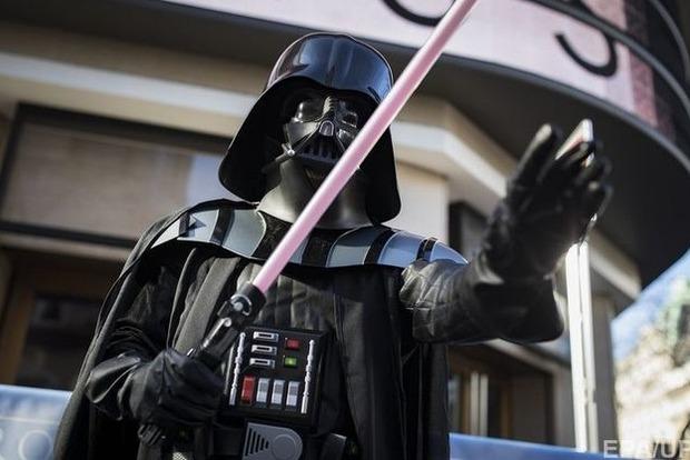 Создатели Звездных войн объявили название 8-го эпизода киносаги